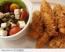 kurczak a la kfc   składniki:  2 duże piersi z kurczaka bardzo gęste ciasto n...