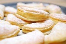 Bardzo proste i pyszne - ciasteczka z jabłkiem i serem  Składniki: trzy kwaśn...