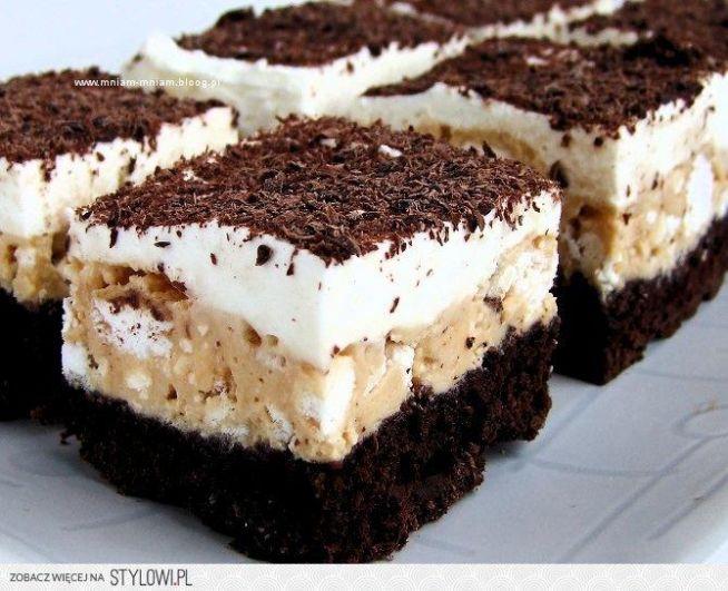 Kostka alpejska  ciasto biszkoptowe: 3 jajka 2 czubate łyżki mąki 2 czubate ł...