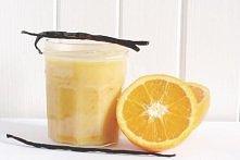 Krem pomarańczowy 3 jajka 100 ml soku z pomarańczy 20 ml soku z cytryny 70 g bardzo miękkiego masła 70 g cukru szczypta soli starta skórka z całej pomarańczy (najlepiej z uprawy...