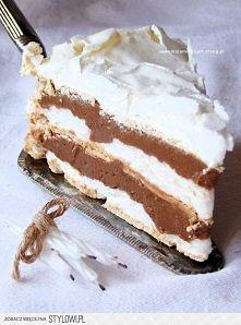 Tort bezowy z kremem russel Blaty bezowe: 6 schłodzonych białek 250 g cukru p...