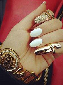 ciekawe pierścionki