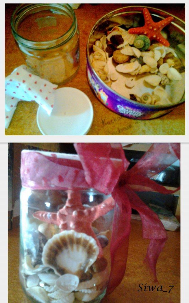 zwykły słoik po kremie czekoladowym i kilka muszelek :) i mamy ciekawą ozdobę  ^^
