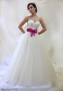 Zdecydowanie wybieram taką :) Do tego różowe buciki i będzie pięknie... wymarzona mojej frends