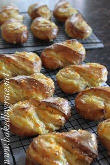 Drozdzowki z serem i pomaranczami