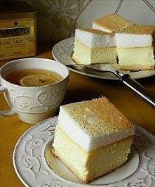 SERNIK Z ROSA.  Składniki:  Spód z ciasta  1 szklanka mąki 120 g cukru 120 g margaryny 1 jajko 0,5 łyżeczki proszku do pieczenia 1 szczypta soli  Masa serowa  1 kg sera białego ...