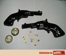 pistolety na kapiszony ;-)