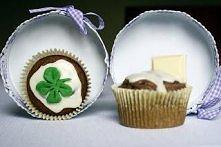 Czekoladowe muffinki z biał...