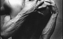 """""""marzenie każdego mężczyzny - ukochana kobieta w ramionach"""""""