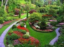 Taki ogród przed domem... marzenie :)