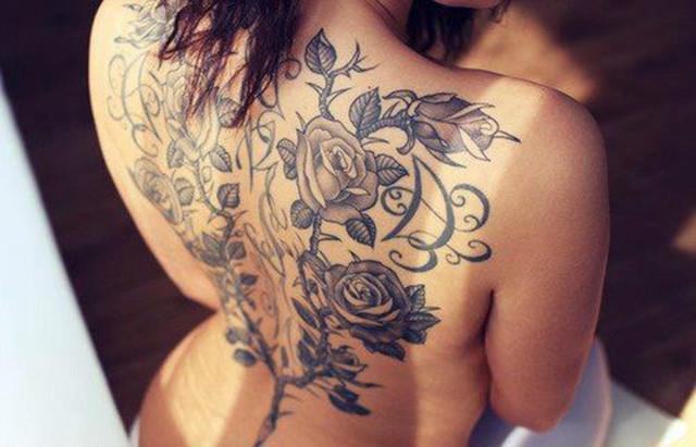 Róże Na Plecach 3 Tatoo 3 Na Damskie Tatuaże Zszywkapl