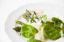 przepis na szparagi w delikatnym sosie
