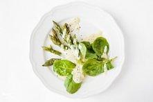 szparagi w delikatnym sosie - przepis
