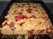 Ciasto babkowe z truskawkami:  -3 szklanki maki  -1 szklanka cukru  -3 jajka ...