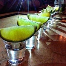 Vodka & Green lemon .