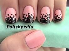 Manicure różowy plus czarne kropeczki alternatywa dla frencha