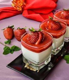 deser truskawkowy z białą czekoladą