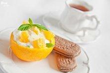 sniadanie : jogurt w pomaranczy + belvita