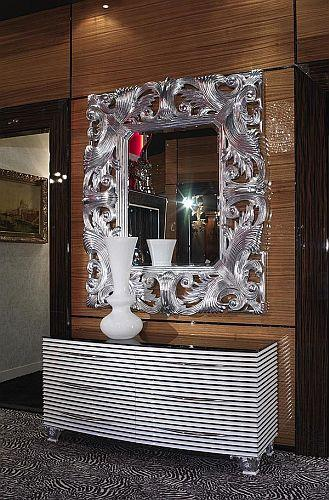 Dekoracyjne Lustro W Ręcznie Rzeźbionej Ramie Ze Srebra Na