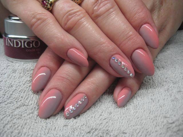 dwukolorowe różowe beżowe cyrkonie paski