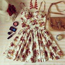 i jak ? :D marzę o takiej sukience *.* widział ją ktoś w jakimś sklepie ??