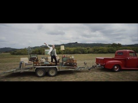 MACKLEMORE & RYAN LEWIS - CAN'T HOLD US FEAT. RAY DALTON (OFF...