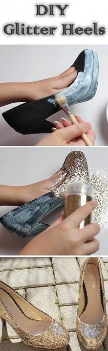 >**< Przywróć życie starym butom :)
