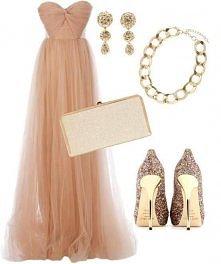 Brzoskwiniowa sukienka z tiulu