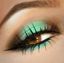 ładny makijaż#zielony#czarny#czarnekreski