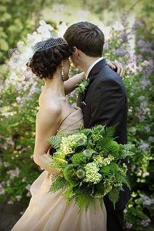 Zielony bukiet ślubny.