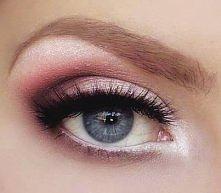 Makijaz niebieskie oczy