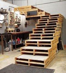 schody z palet :) Wbijajcie po więcej pomysłów. <3