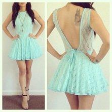 mała miętowa koronkowa sukienka. Tak czy nie? :)