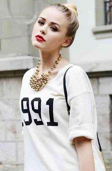 ładna bluzka i twarz :)