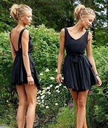 Czarna sukieneczka