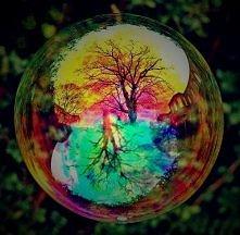 `bańki mydlane są jak dzieciństwo- magiczne, piękne, kolorowe, ale niestety s...