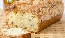 Ciasto drożdżowe – sypane Kostka drożdży 4 szkl. mąki 1 szkl. cukru 1 cukier waniliowy 4 jajka 1 szkl. oleju 3/4 szkl. mleka szczypta soli. To wszystko wsypać do miski, ważna ko...
