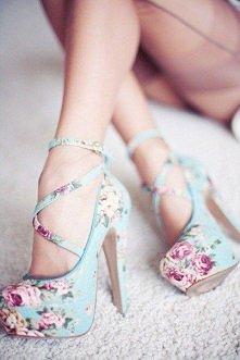 Buty z kwiatowym wzorem ...