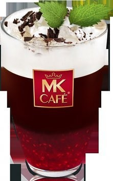 Malinowe Frappe  Składniki: - maliny (ok. 20-30 g), - łyżeczka cukru, - kostka gorzkiej czekolady, - pokruszony lód, - 60 ml zaparzonej kawy MK Cafe Premium, - 50 ml śmietanki  ...