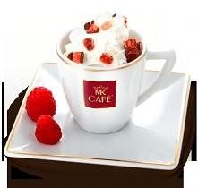 Espresso malinowe  Składniki: - 30ml espresso lub 50ml mocnej kawy (np. mokka) - 10 ml soku lub syropu malinowego nadającego się do kawy - bita śmietana  - galaretka malinowa w ...