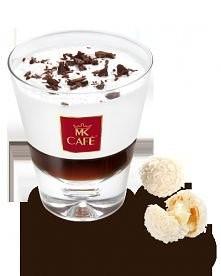 Kawa Kremowo-kokosowa  Składniki: - 40 ml zaparzonej i schłodzonej kawy - 120 ml zimnego mleka - gałka lodów śmietankowych - 20 ml rumu kokosowego - łyżeczka cukru - ekstrakt wa...