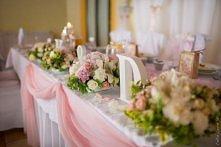 drewniane litery w dekoracjach sal- bajeczny ślub świdnica