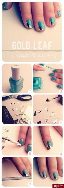 1. Wybierz dobrej jakości turkusowy lakier do paznokci. Jeśli nie lubisz turk...