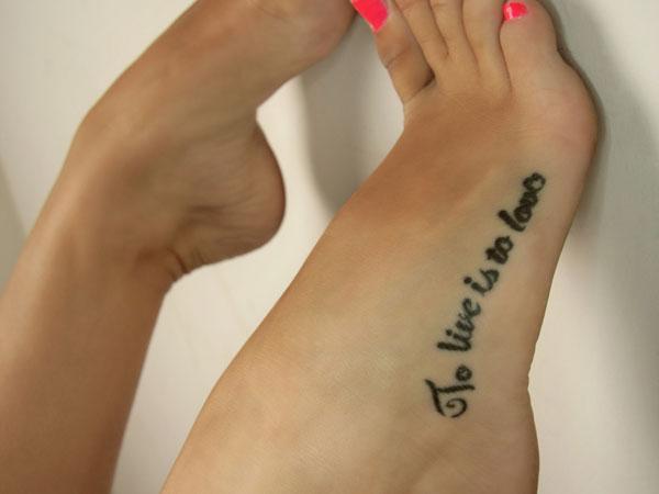 Tatuaż Na Stopie Najciekawsze Wzory Na Ulubione Zszywkapl