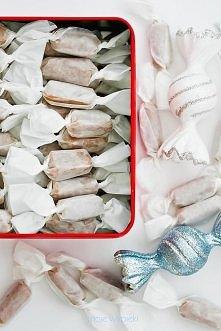 kremowe karmelki Składniki na około 80 sztuk cukierków:  1 szklanka mleka sło...