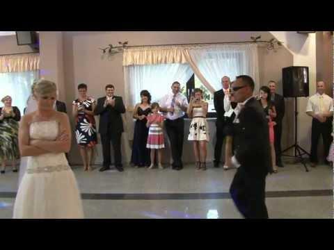 Zaskakujący pierwszy taniec Gosi i Adama. 2012 r. NAJLEPSZY ;> ;>