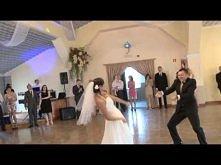 Ewelina i Dawid 2013 pierwszy taniec ;dd Trochę dłuugie, ale bardzo pomysłowe ;))