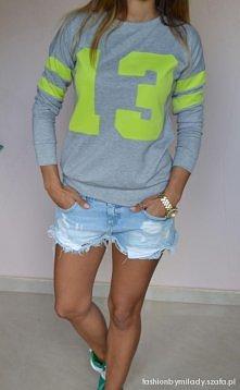 Szara sportowa bluza z neon...