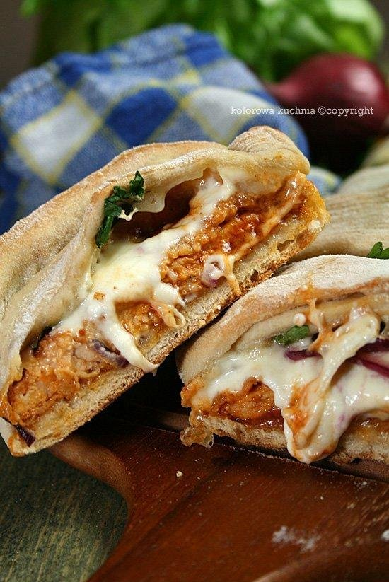 .Chlebek imprezowy z kurczakiem i sosem barbecue.  *PRZEPIS > wystarczy kliknąć na zdjęcie :)