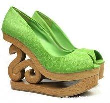 Mamy mieszane uczucia co do tej koturny, ale trzeba przyznać, że buty robią wrażenie :)